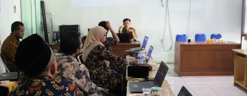 Prodi PBI Dampingi Guru Kembangkan Media Pembelajaran Pasca Pandemi