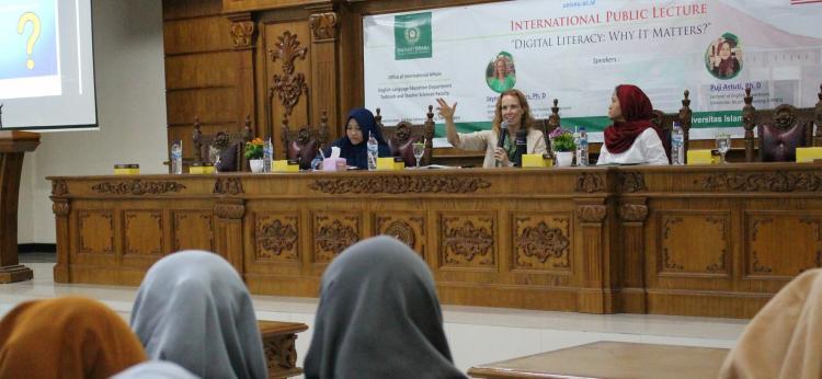 Kuliah Umum Internasional Literasi Digital, Menambah Pengetahuan dan Wawasan Mahasiswa
